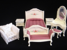 7-Pc Hand Painted Mauve Bedroom set